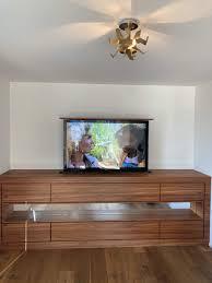 tv lift möbel mit fernbedienung lg tv kaufen auf ricardo