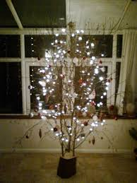 Heres A Great Idea From Rod Heather Instead Of Spending Small Fortune On Christmas Tree Theyve Decorated One There Own