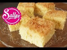 kokoskuchen im blech einfacher blechkuchen mit buttermilch sehr saftig sallys welt