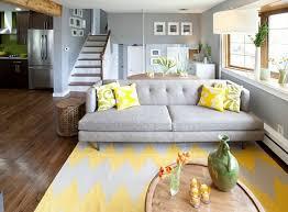 intérieur et canapé déco interieur canape gris jaune bow window décoration