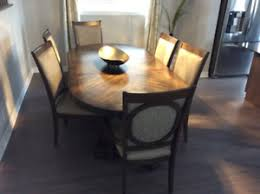 Moving Sale 7piece Dining Room Set Plus 2 Extra Chairs