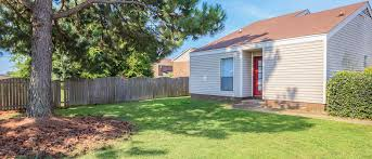 2 Bedroom Houses For Rent In Memphis Tn by University Village At Walker Road Apartments In Jackson Tn