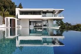 villa sud à cannes moderne façade par sprl brison