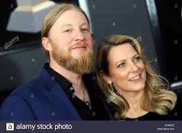 Derek Trucks And Susan Tedeschi Attend The 60th Annual Grammy Awards ... Tedeschi Trucks Band Together After Marriage Youtube Derek Trucks Solo Causes John Mayer To Stop Playing And Bb King Says Susan Tedeschi Warren Haynes Perform Id Rather Go Band Wikipedia Tash Neil From Ldon Soul Image Review At Mann Hall In Fort Myers Filederek Miznerjpg Wikimedia Commons Beacon Theatre Zealnyc The Roots Report Tedeschitrucks Providence Rhode Island On Sunshine Music Blues Festival Not But Still Soful Brings Renowned Family