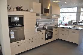 schüller musterküche l küche mit dfgarer und kompakt