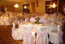 Astonishing Pink And White Wedding Decoration Using Round Linen Table Cloth Including Flower Centerpiece