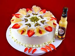 verpoortens sommerliche calla torte ein traum aus eierlikör erdbeeren pistazien und marzipan