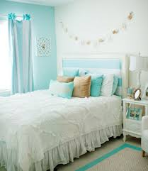 Beachy Headboards Beach Theme Guest Bedroom With Diy Wood by A New Room For Macy Tiffany Blue Tiffany And Beach