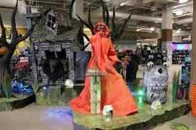 Spirit Halloween Omaha Hours by Spirit World Halloween