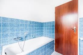 warum duschen im stehen für mieter verboten sein kann