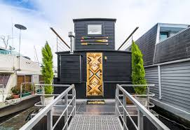 100 Lake Union Houseboat For Sale The Cutest Little S You Can Rent Right Now