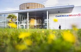 siege credit mutuel guerre ouverte au crédit mutuel bretagne bretons