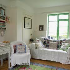 wohnzimmer im landhausstil mit weissen bild kaufen