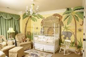 chambre bebe jungle design interieur design chambre bébé animaux jungle vert ocre jaune