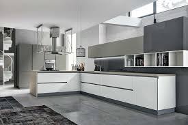meuble haut cuisine laqué cuisine moderne sans poignées blanche et taupe composition