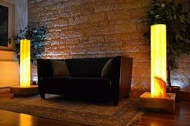 lichtbrunnen wassersäule onyx gold sunset