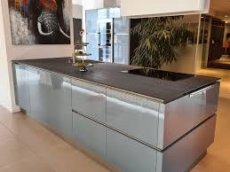 glas silbergrau metallic echtholz silbereiche insel küche in augsburg