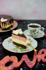 fürst pückler cheesecake mit schoko vanille und erdbeer