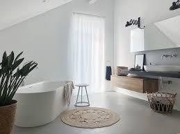 unser badezimmer in beton und weiß betoncire beto