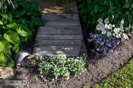 Image Of Wood Pallet Garden