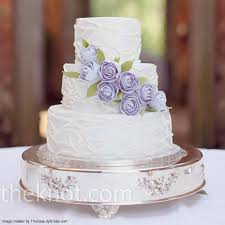 Round Wedding Cake With Lavender Sugar Roses Detail