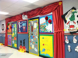 Classroom Christmas Door Decorating Contest Ideas by Dr Seuss Door Decorating Contest Kidlets Pinterest