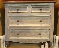 peinture meuble cuisine stratifié comment peindre un meuble en pin meuble en pin e peindre meuble en