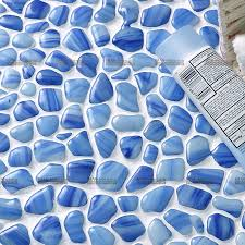 großhandel badezimmer dusche boden wandbrunnen terrasse schwimmbad heiß schmelzenden blauen kiesel glas mosaik fliesen buy blau pebble glas mosaik