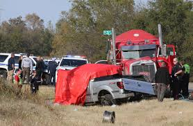 100 Red Dog Trucking Police Investigating Fatal Wreck Involving Gravel Truck Police