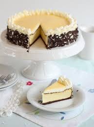 traumhafter eierlikör cheesecake mit schokoboden und sahne