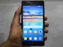 10 Most Durable Smartphones Under Rs 10 000 in India Gizbot