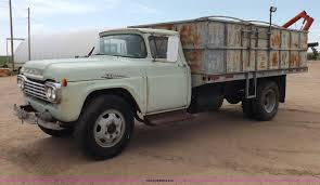 100 59 Ford Truck 19 F600 Grain Truck Item H1952 SOLD May 14 Ag Eq