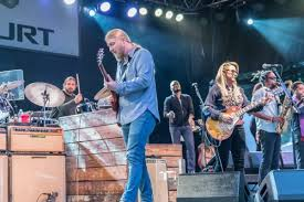 100 Derek Trucks Father Tedeschi Band And Chevy Court Crowd Agree I Want More