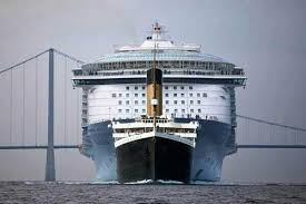 the titanic compared with a modern cruiseship wait but why