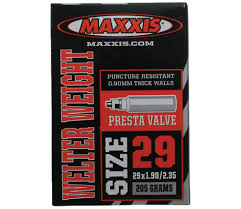 chambre à air vtt 29 pouces maxxis chambre à air welter weight 29 x 1 9 2 35 valve presta 29