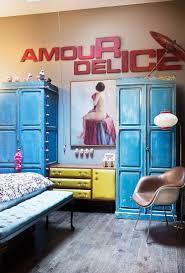 schlafzimmer mit blauen vintage bild kaufen 12270988