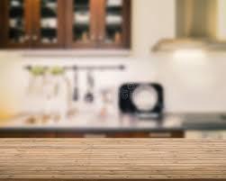 fond de cuisine plan de travail en bois avec le fond de cuisine photo stock