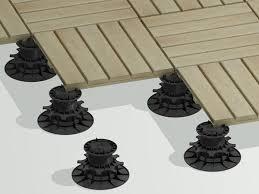 plot reglable pour terrasse bois faire une terrasse en bois combien de plots prévoir guide