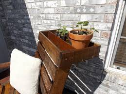 Diy Pallet Chair With Planter