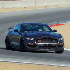 Popular Mechanics Names GT350R Sports Car Of The Year - Ford-Trucks.com