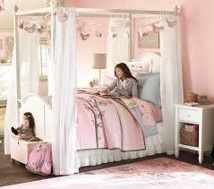 lit chambre fille chambre enfant lit baldaquin chambre fille idées déco chambre