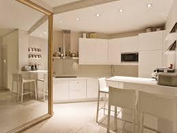 cuisine beige et taupe cuisine moderne avec miroir ancien la cuisine en beige taupe