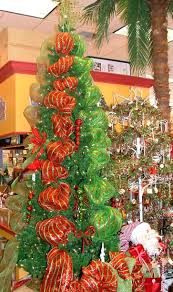Type Of Christmas Tree Decorations by 39 Best Christmas Trees And Deco Mesh Images On Pinterest