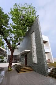 100 Wallhouse The Wall House By Dipen Gada Associates