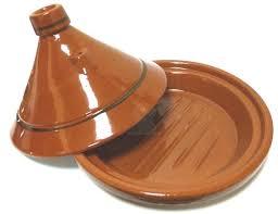 cuisiner avec un tajine en terre cuite tajine grand marocain de cuisson en terre cuite de couleur unie