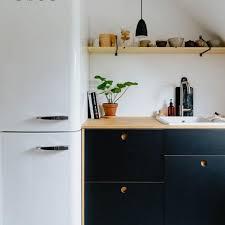 wie mit ikea hacks günstig zu einer designer küche kommt