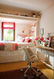 Teen Bedroom Ideas For Small Rooms by Best 25 Teen Bedroom Desk Ideas On Pinterest Teen Bedroom
