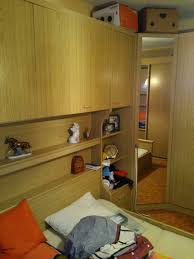 schlafzimmer bett mit überbau und schrank in mitte hamburg