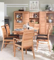 essgruppe aus massiver kernbuche säulentisch 150x95 mit 6 stühlen 2 armlehnstühle 4 esszimmerstühle casade mobila