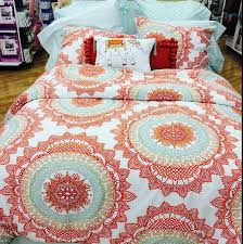 THIS PRETTY BEDSPREAD on The Hunt